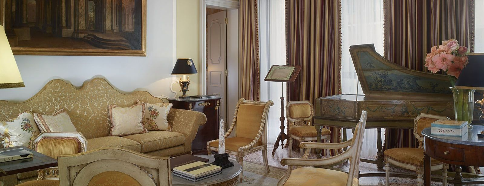 La Fenice Heritage Suite Living Room